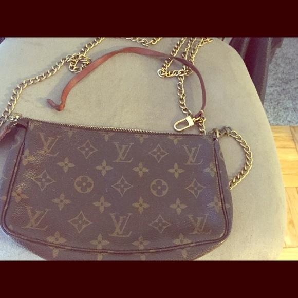 b773f446f905 Louis Vuitton Handbags - Louis Vuitton small shoulder bag with chain strap!